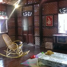 The walls are sometimes made with weaved bamboo. When inside, one does not feel cut away from the outdoor and you feel like you are floating in the air. The weaved bamboo also lets in a bit of light and ventilation.